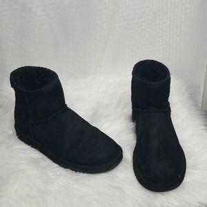Ladies Sz 6 Black Classic Mini booties boots
